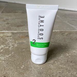 RODAN+FIELDS Soothe Sensitive Skin Treatment